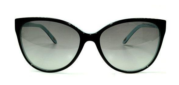 óculos De Sol Tiffany   Co   Les Baux-de-Provence 6ad9a424b1